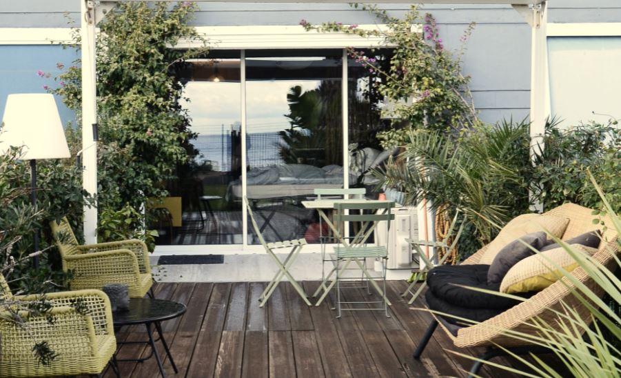 Design im eigenen Garten - Ausgefallene Tische laden zum Verweilen ein